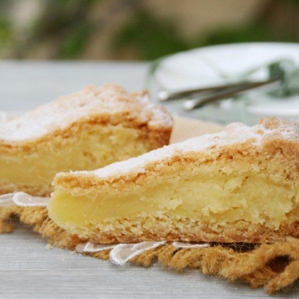 """Torta """"pasticciotto"""" con crema al limone"""